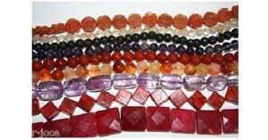 Bricolaje: collares de piedras y perlas