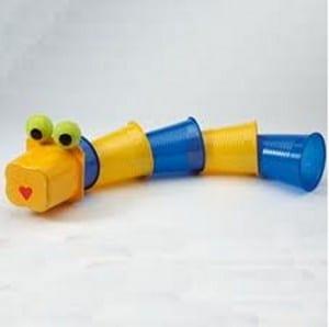 gusano vasos plastico
