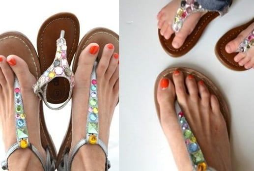 Sandalias decoradas con strass