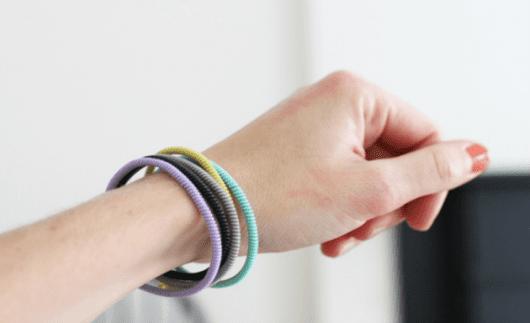 Como hacer pulseras con cables
