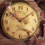 Decoupage: cómo hacer un reloj de pared para el hogar