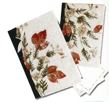Decoupage: cómo decorar un libro con flores