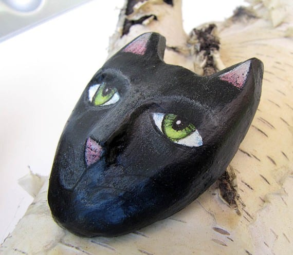 Mascara de gato de arcilla y papel mache