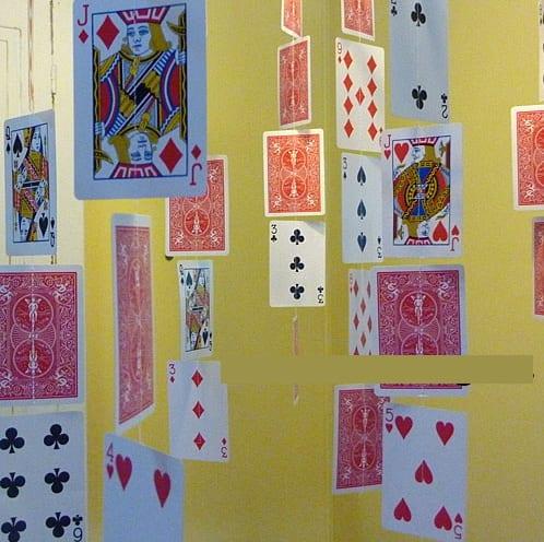 Móvil o cortina de baraja de cartas