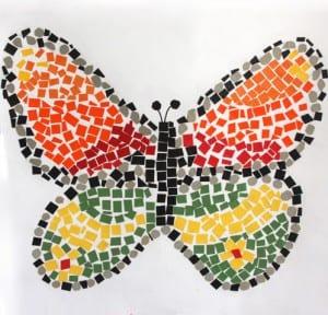 Mosaico mariposa con cartulina de colores