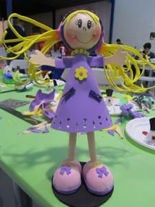 Muñeca con goma eva
