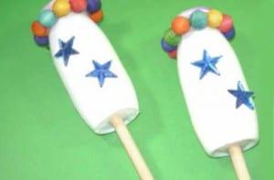 Maracas con vasos de yogurt