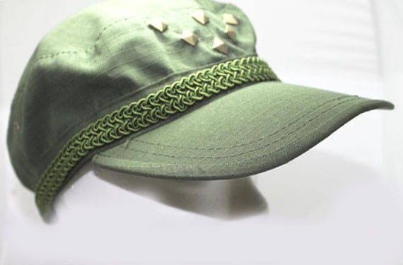 gorra reciclada con diseño propio