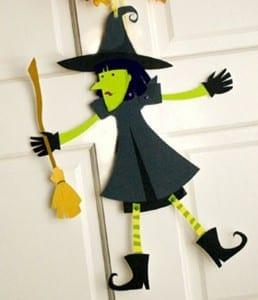 Bruja de cartulina para Halloween