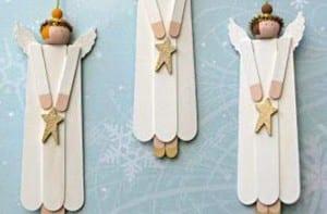 ángeles con palos de helado