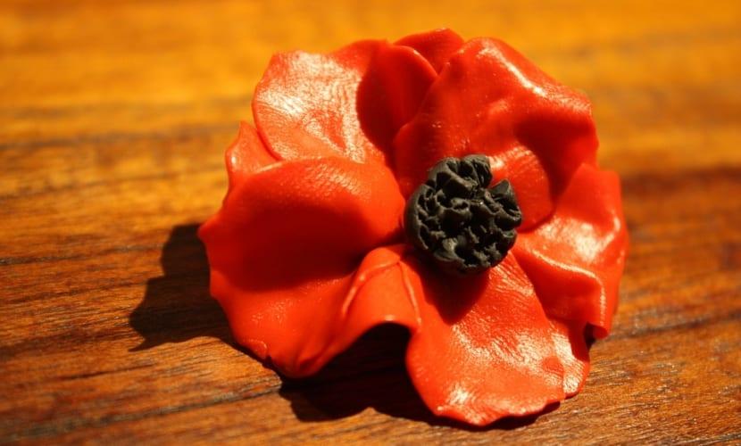 Flor de arcilla polimérica