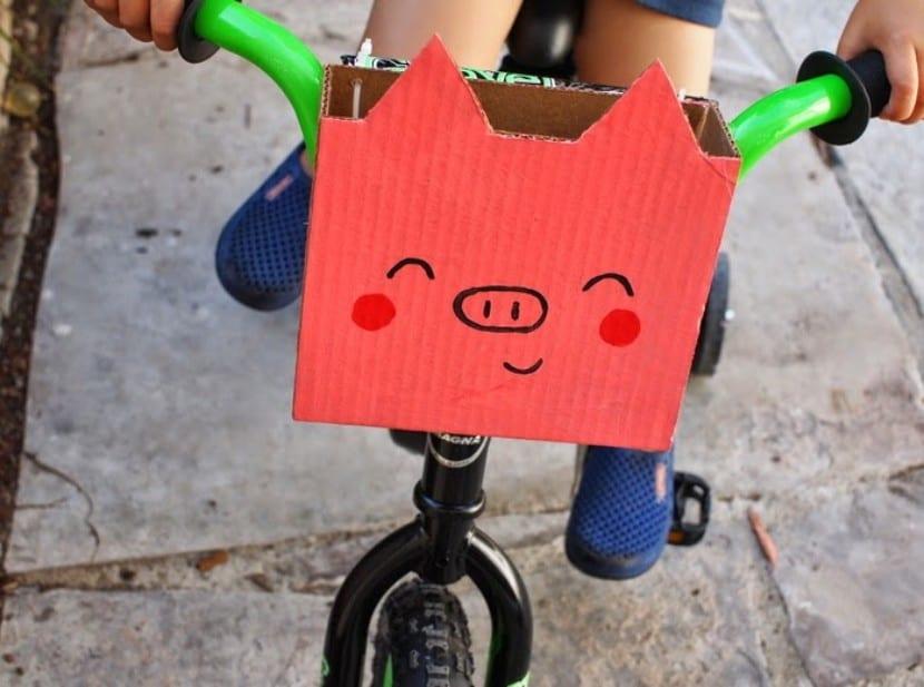 Cesta de cartón para bicis