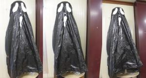 Fantasma para halloween con saco de basura