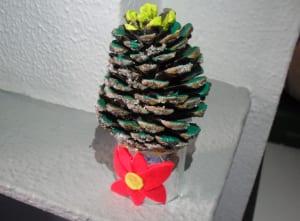 Albolito de navidad con piñas