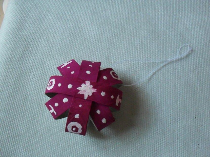 Estrella de navidad con rollo de papel - Adornos navidenos con rollos de papel higienico ...