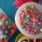 Cuentas de plástico para el pompero decorado