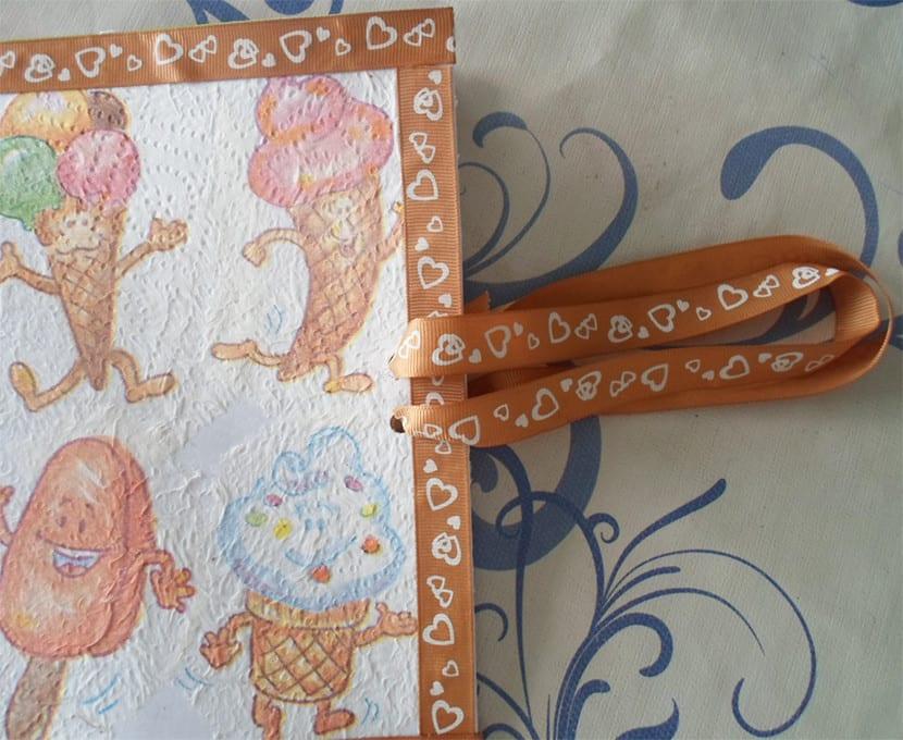 Libreta decorada con decoupage asas