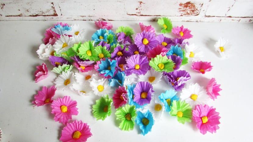 Flores con moldes de cupcakes