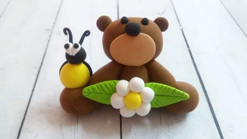 oso con bicho