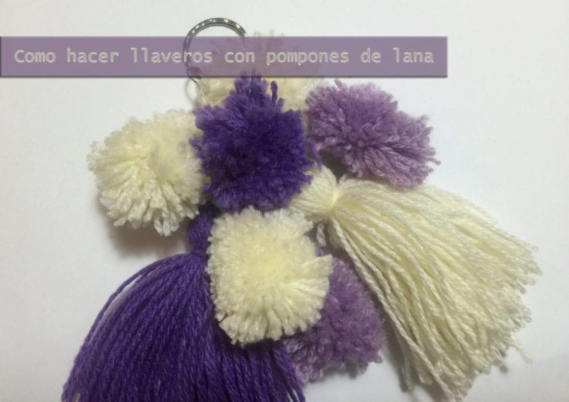 como hacer llaveros con pompones de lana