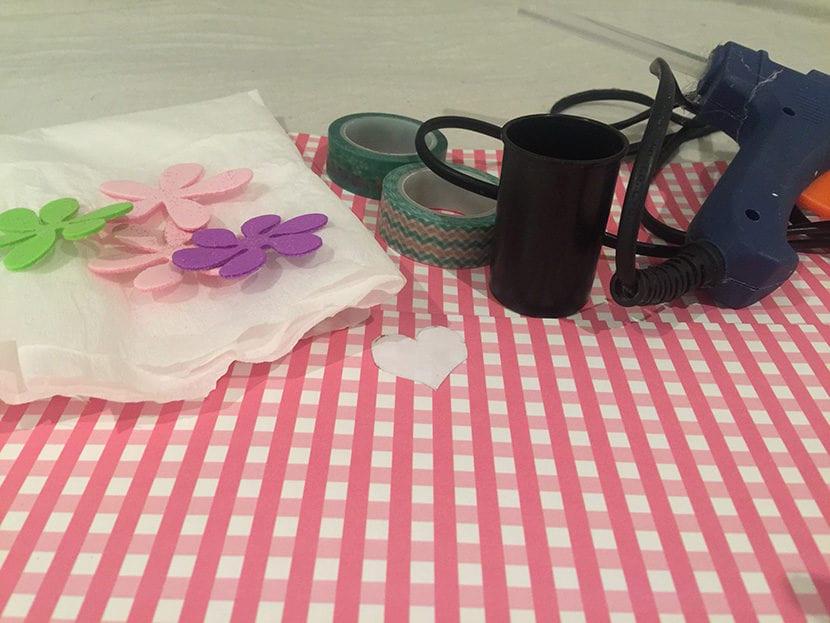 materiales flores de cartulina goma eva