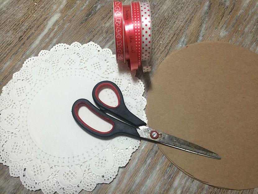 materiales para hacer conos de papel craft