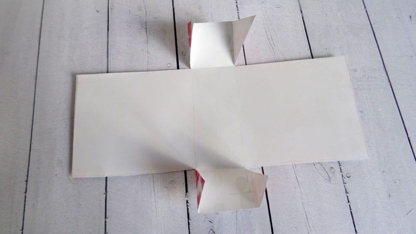 papel cortado