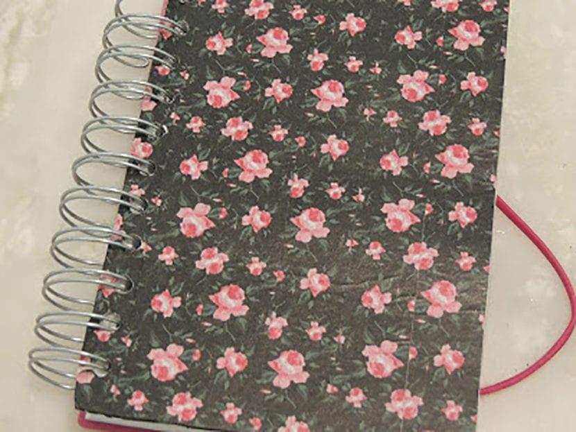 paso 3 decorar agendas con washi tape