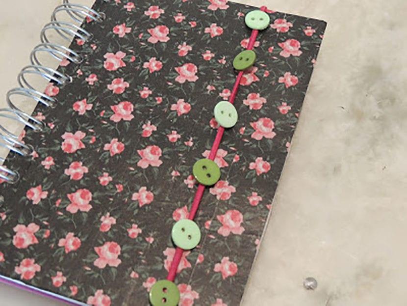 paso 4 decorar agendas con washi tape