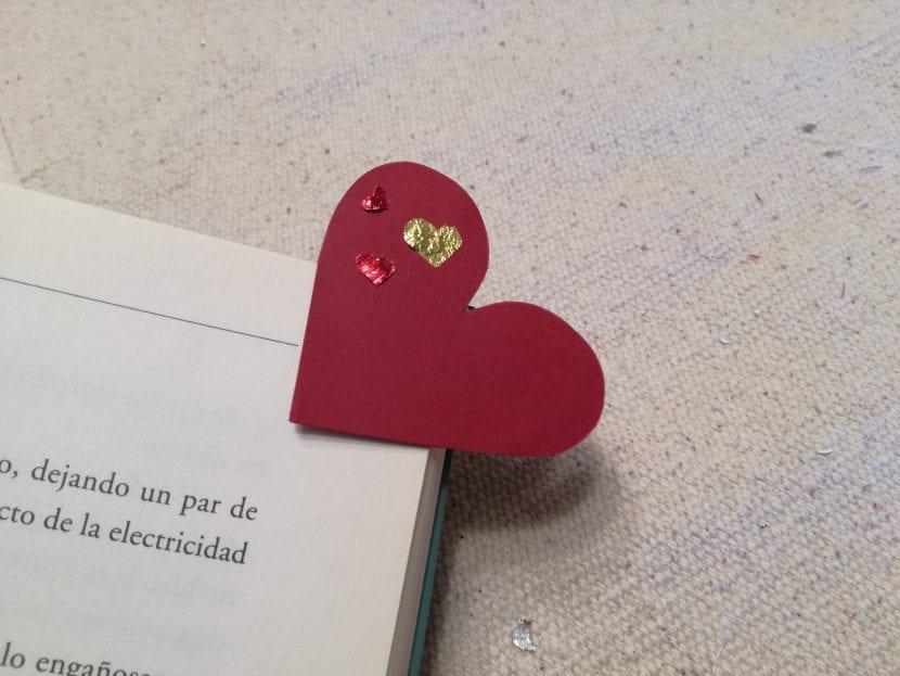 marcapáginas corazón