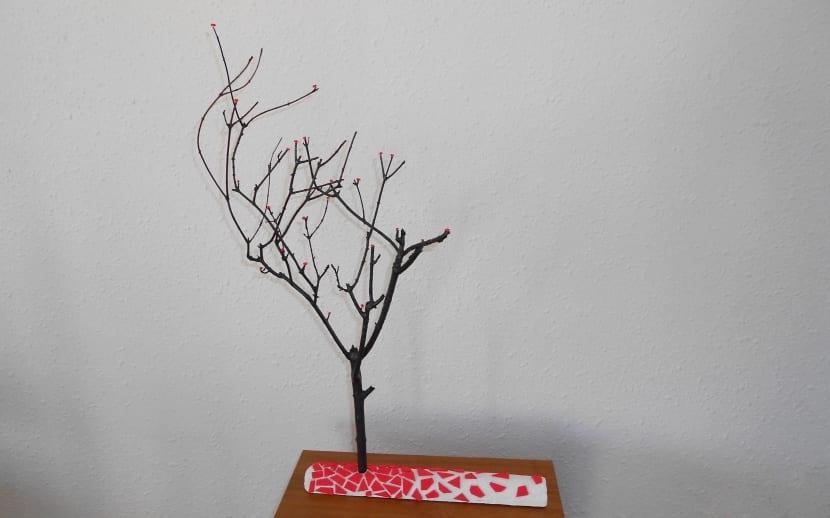 cómo hacer un árbol de manualidades