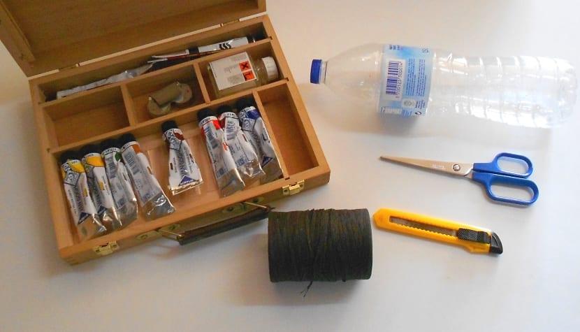 materiales para hacer una maceta con una botella de plástico