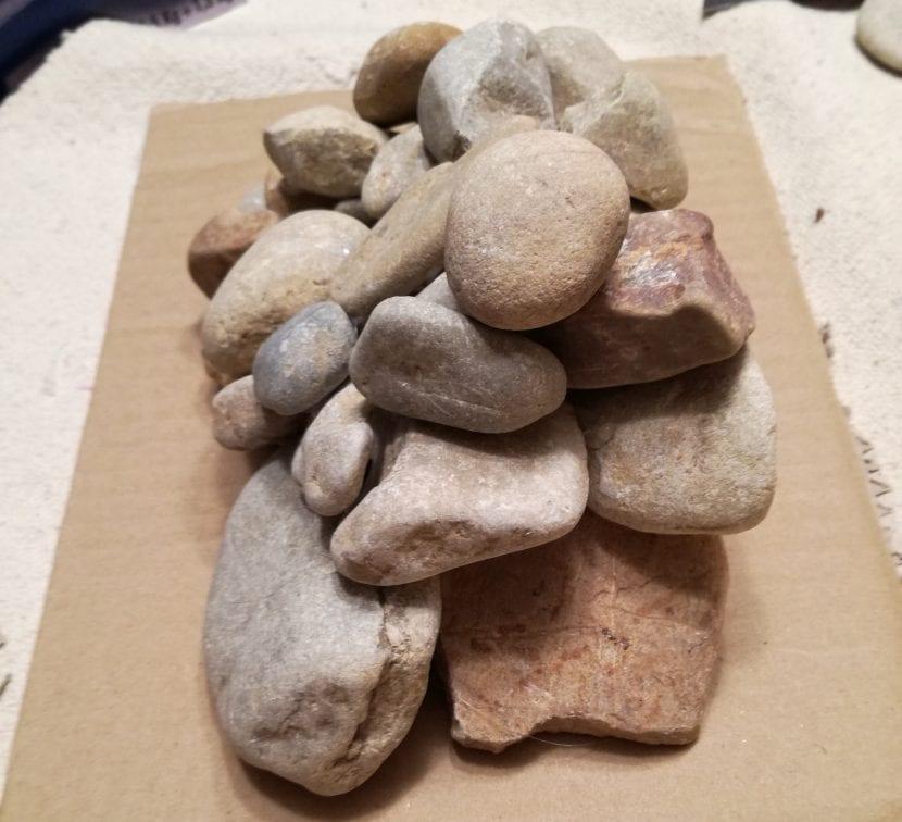 paso 2 sujetalibros piedras
