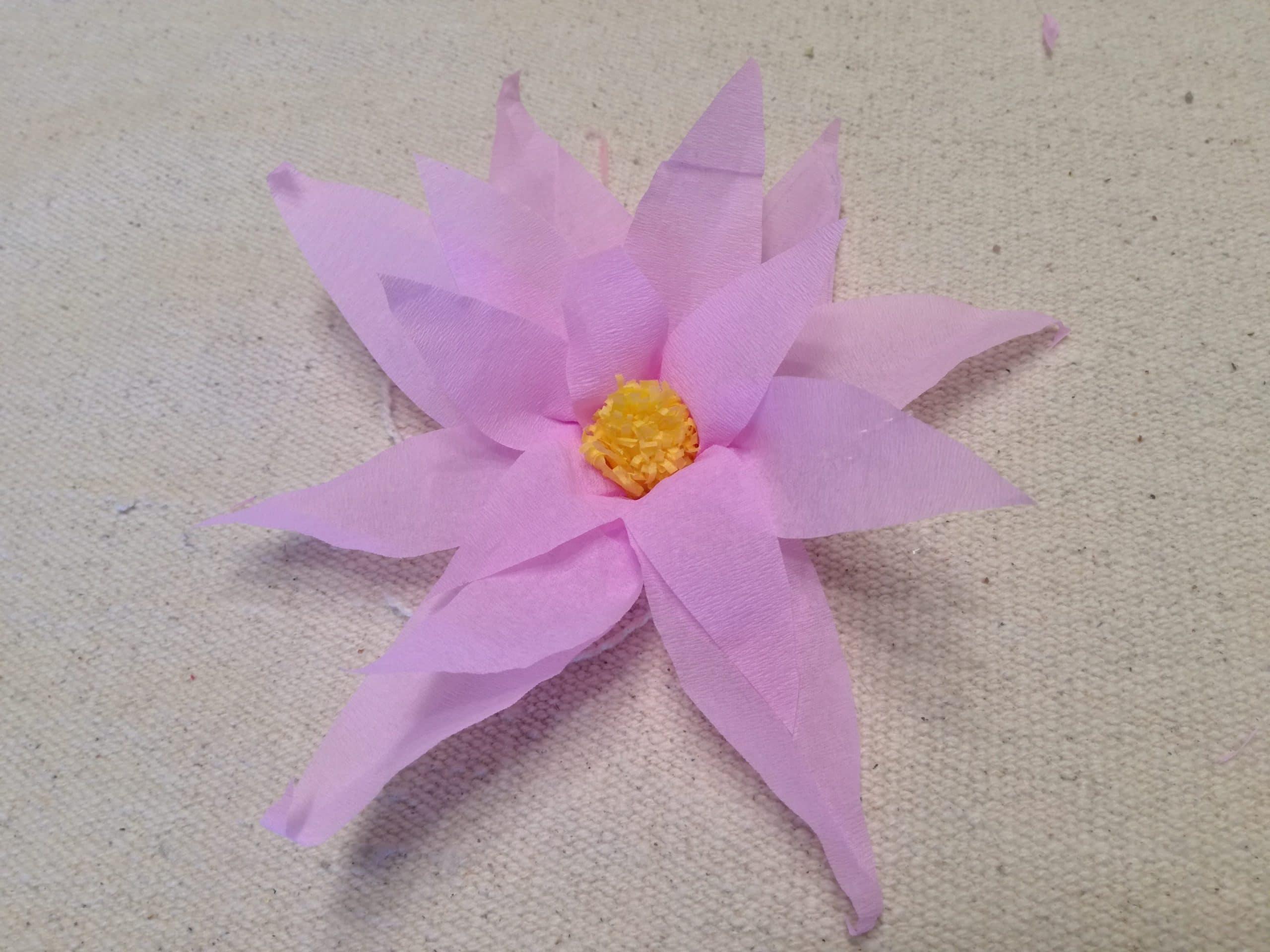 Flor De Loto Con Papel Crepe Fáciles Manualidades On