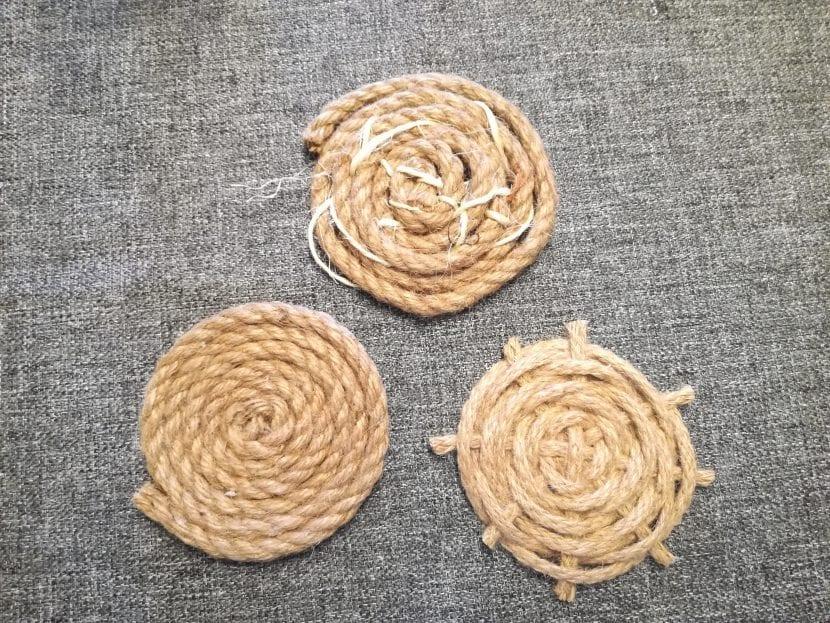Posavasos con cuerda