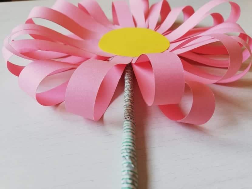 bonita margarita de papel