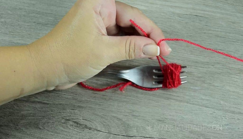 pompones y borlas manualidades on