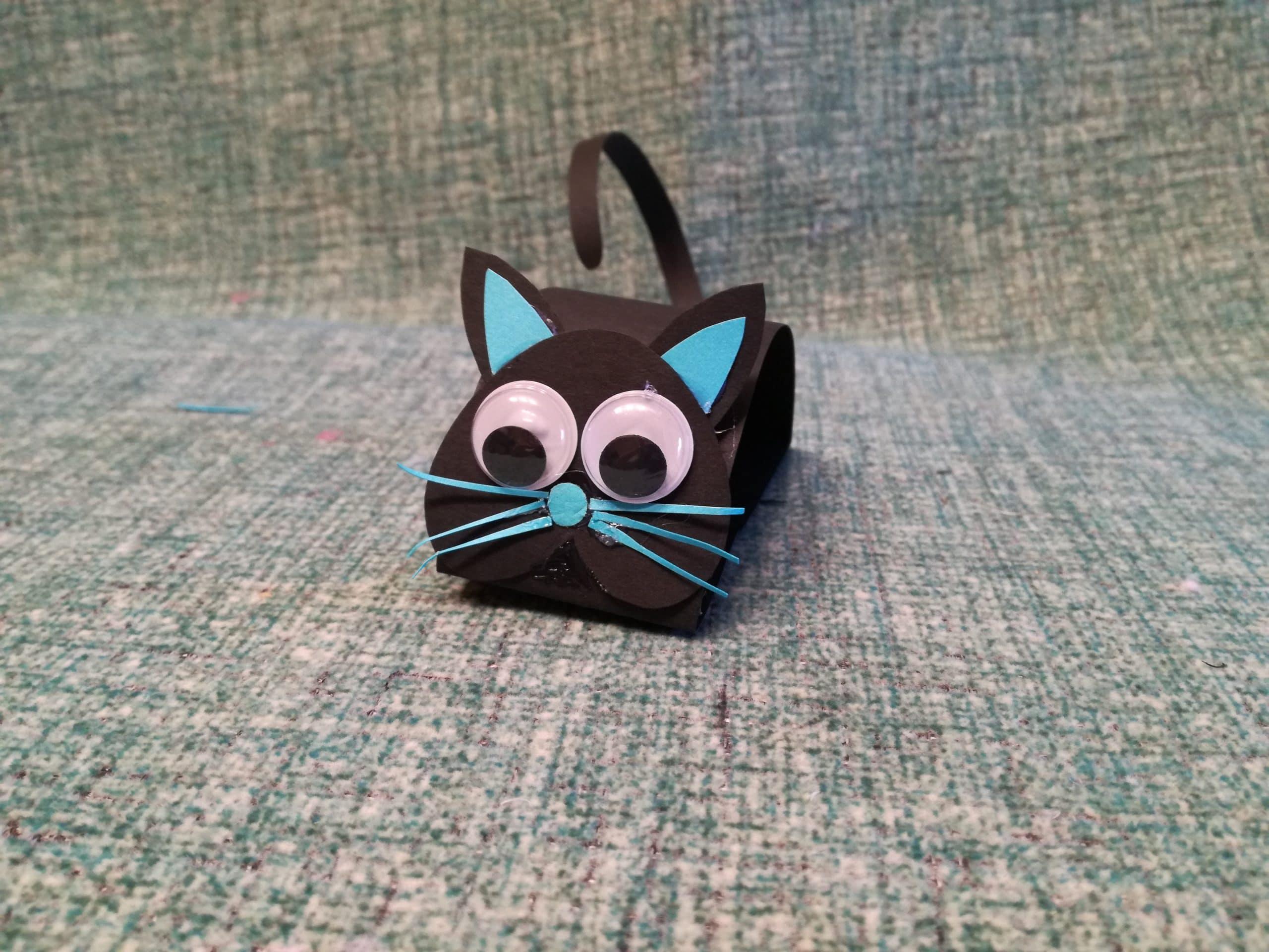 gato negro cartulina