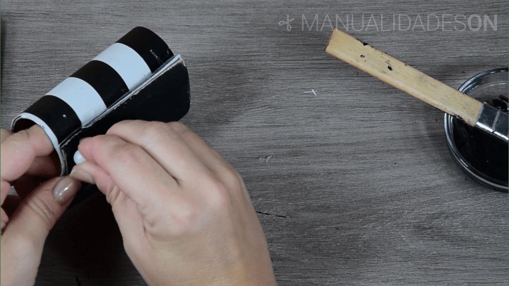 Soportes de cartón reciclados para el móvil