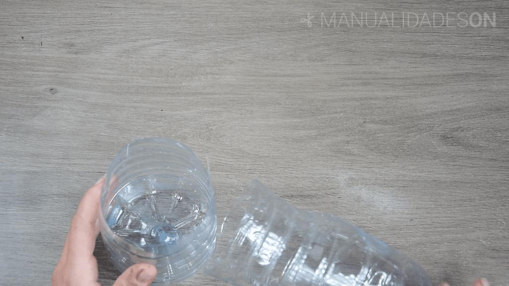 Cestillo con cuerda de yute para colgar
