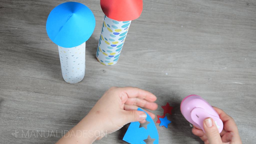 Cohetes espaciales con tubos de cartón