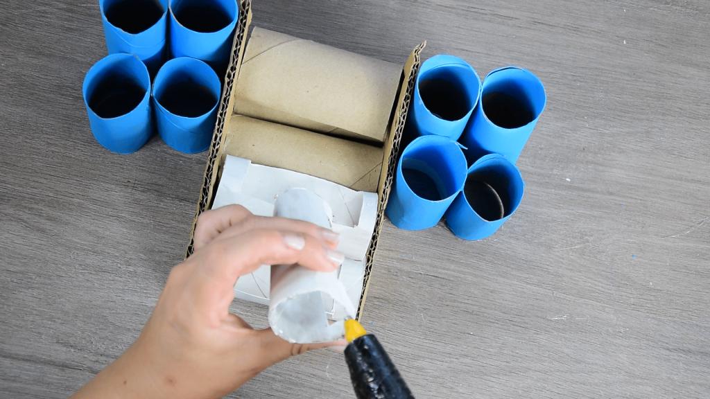 Organizador de escritorio con cartones