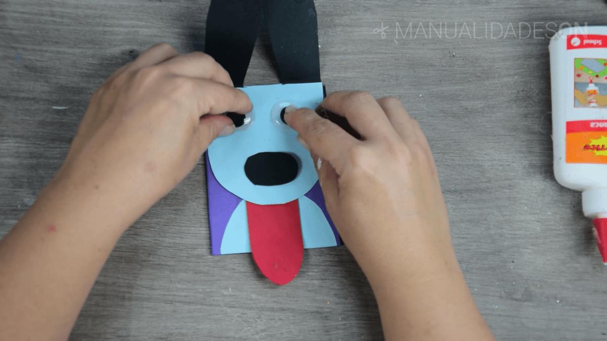 Carátula para libreta con forma de perrito