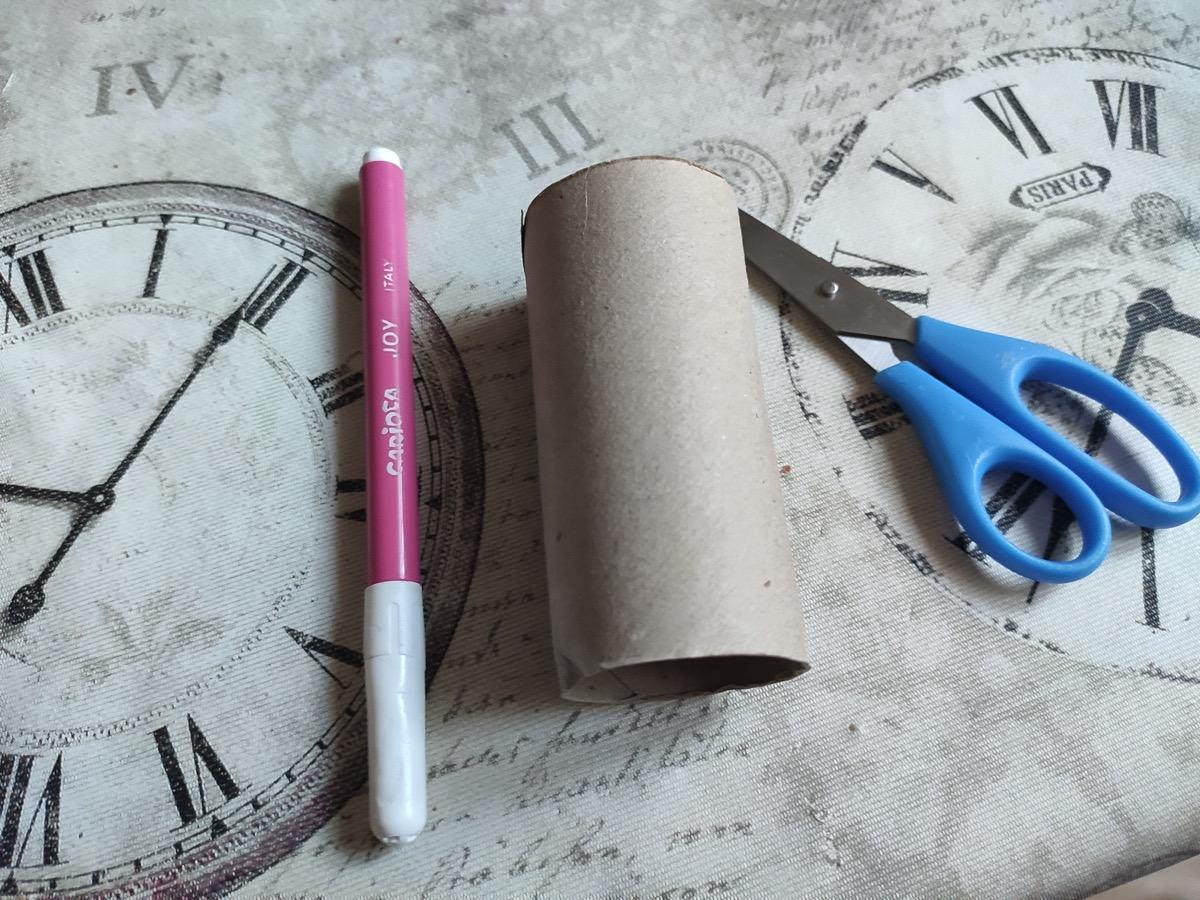 Manualidad con rollo de cartón: feliz y triste