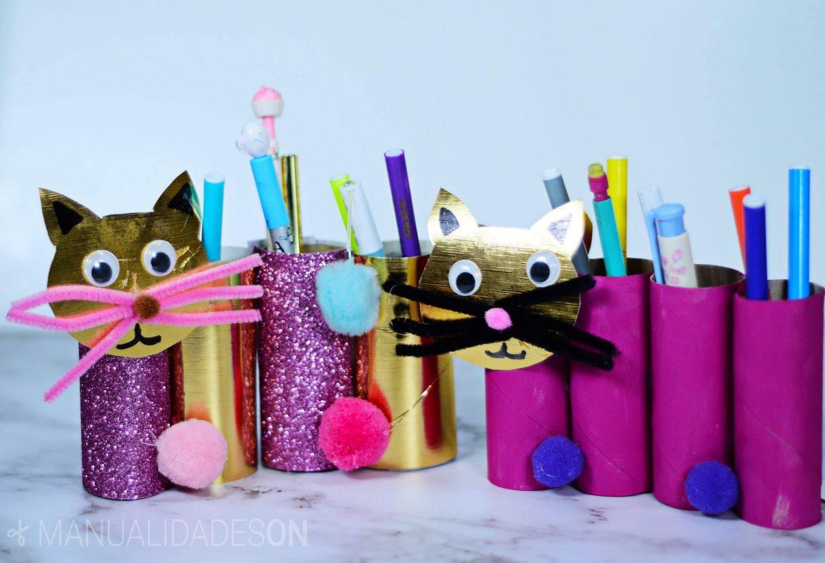Gatos hechos con tubos de cartón