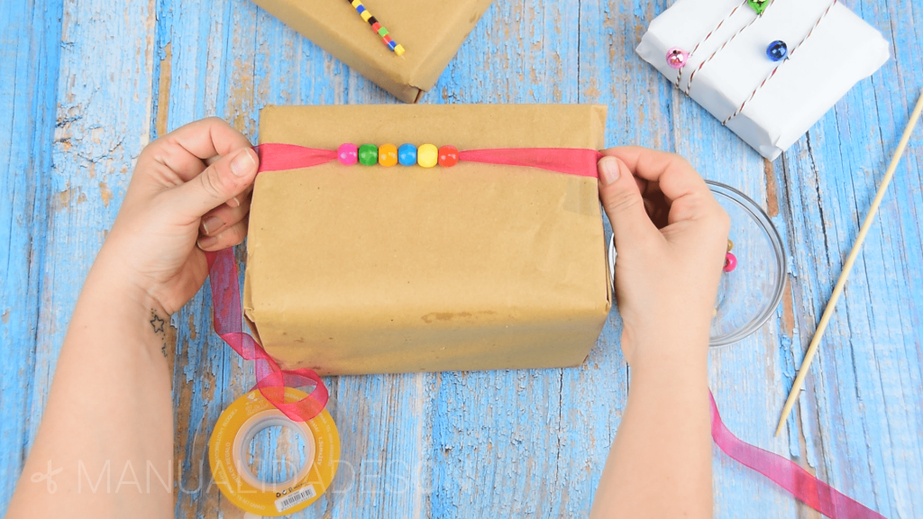 Cómo envolver regalos infantiles