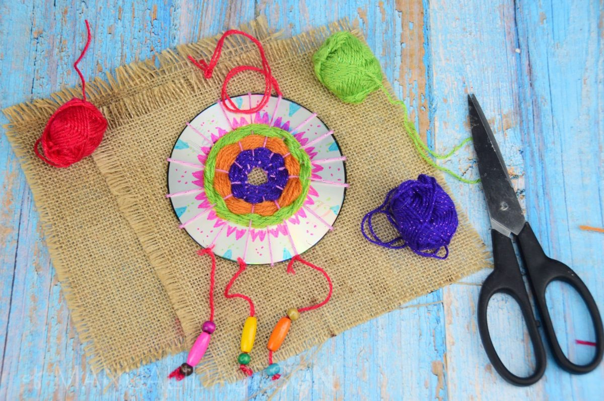 Colgante hippie hecho con un CD