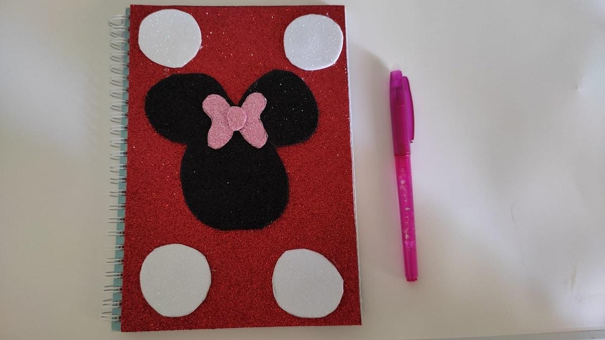 Libreta decorada de Minnie